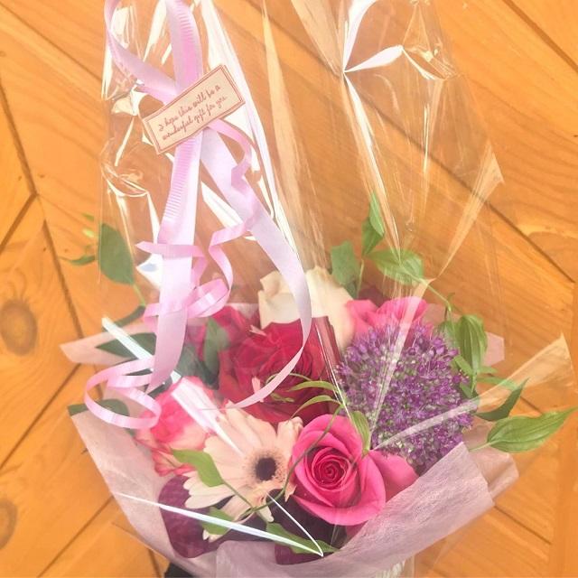 お花のアレンジメントも可能ですので、お気軽にお電話ください☺️🌟